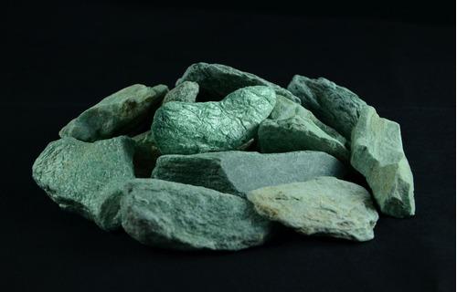 1kg - pedras em bruto fuxita - pfbg