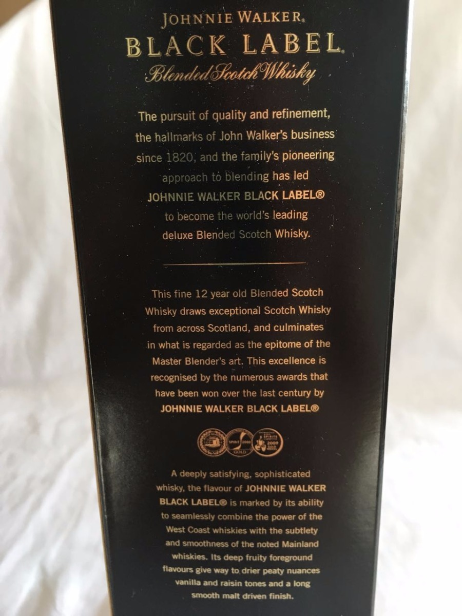 5b69f8094977c 1lt whisky johnnie walker black label 12 anos frete gratis. Carregando zoom.
