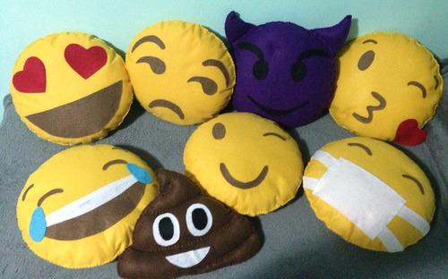 2 almofadas emoticons whatsapp