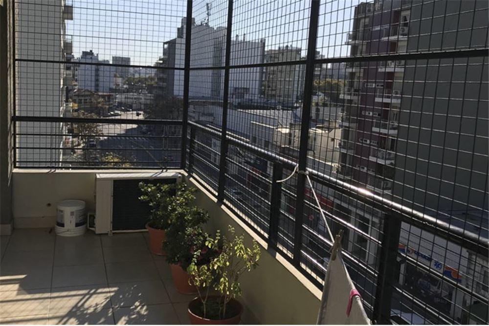 2 amb. amplio. balcon vista abierta. lleno de luz