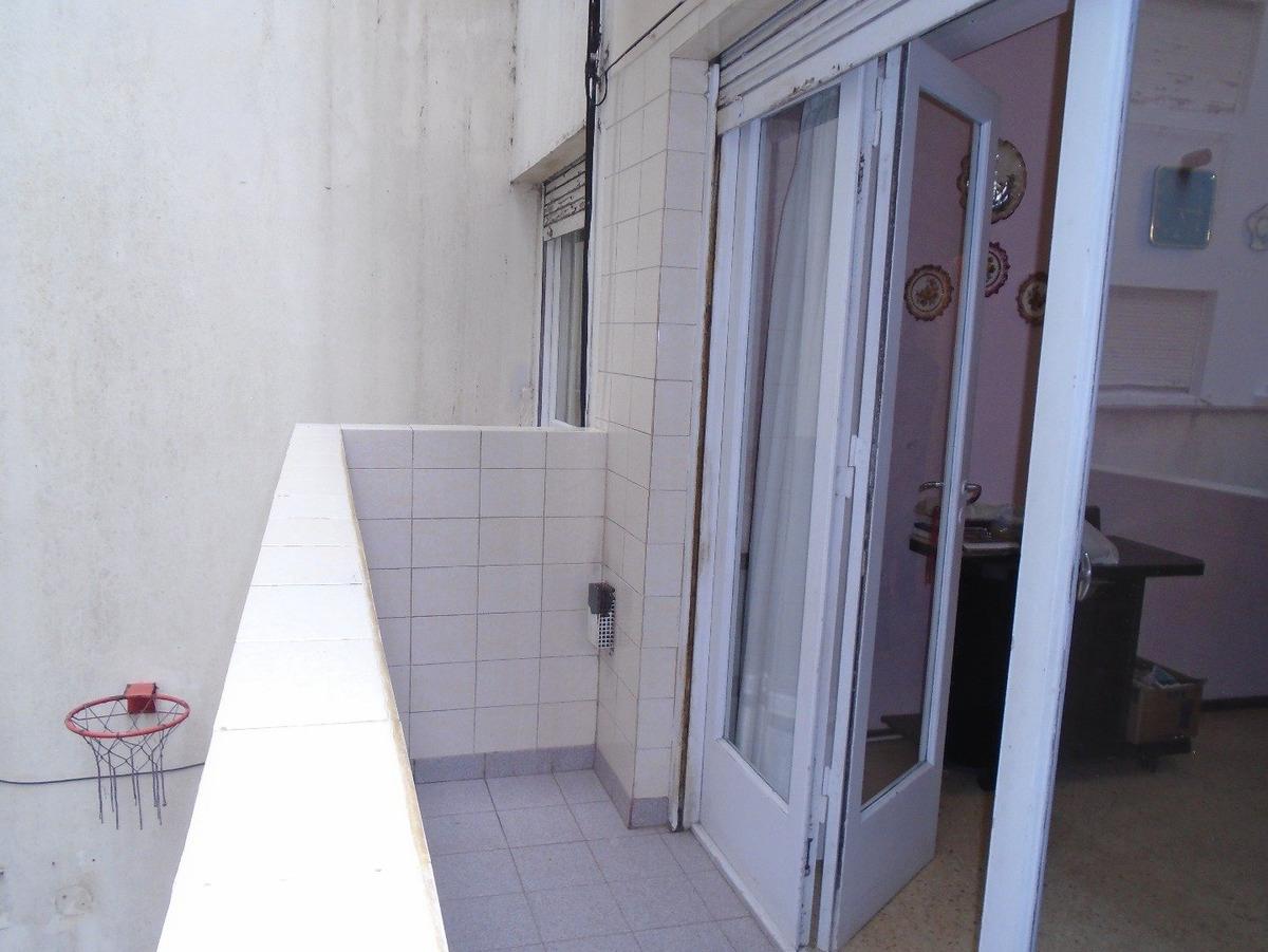 2 amb c/ dependencia de servicio y balcón