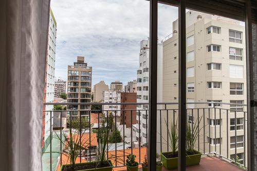 2 amb con balcón a la calle - acepta permuta en mdp-