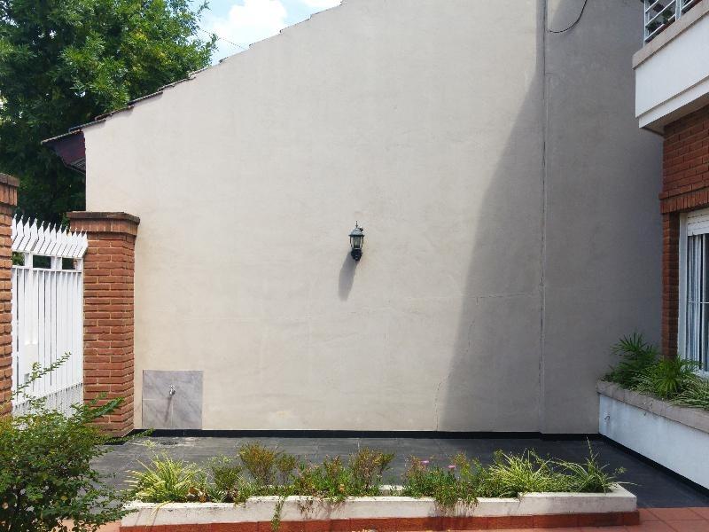 2 amb. con patio y jardin