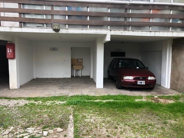 2 amb primer piso  c/ cochera doble