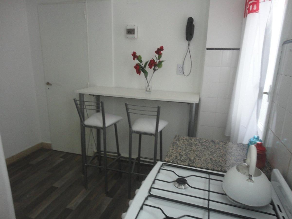 2 amb reciclado con balcon, cable y wifi - zona centro- 1º quincena marzo