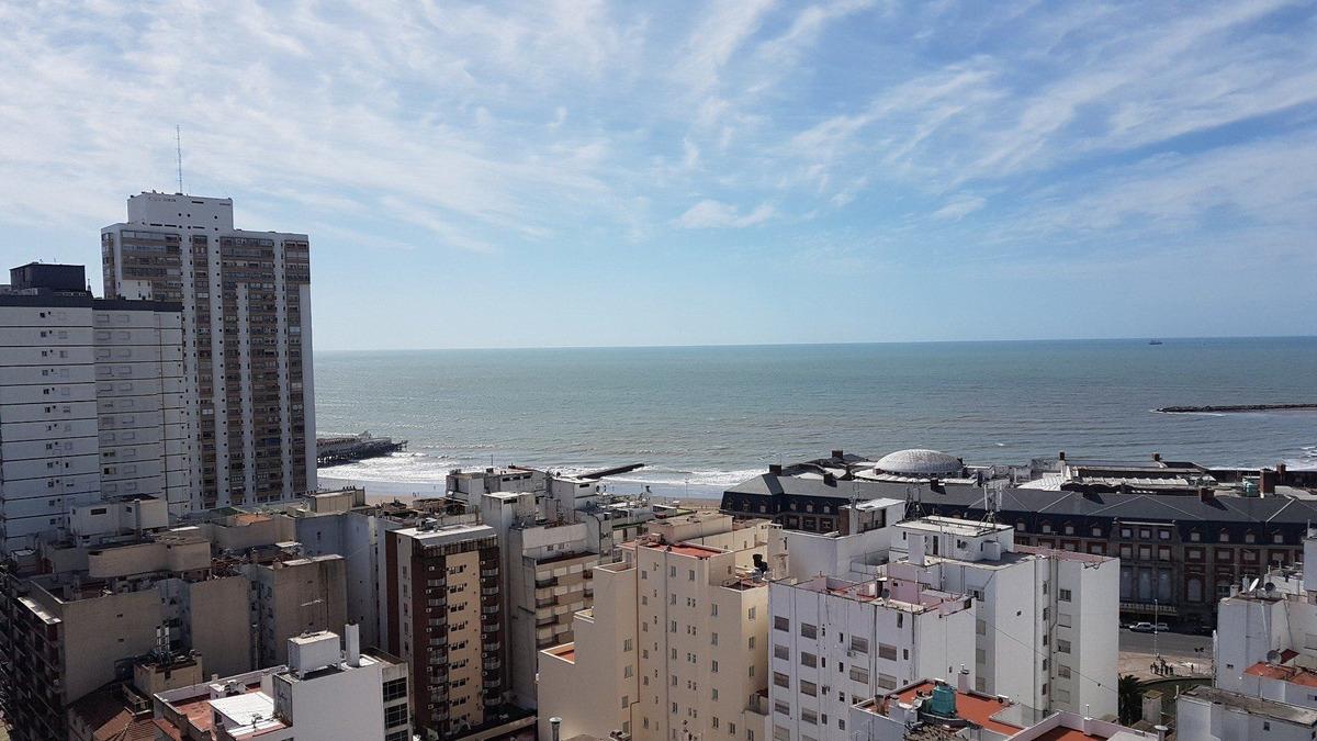 2 amb y medio con vista al mar / dos baños / zona centro