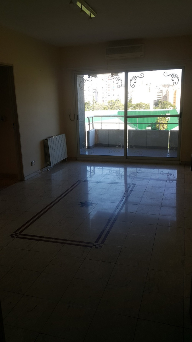 2 ambientes 45mts cochera cubierta avellaneda 1148