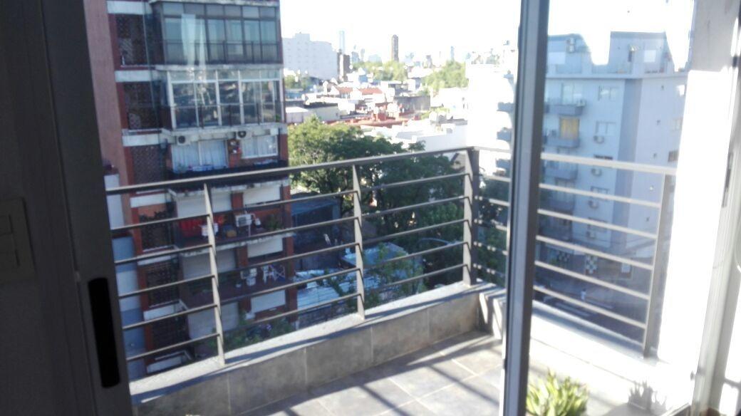 2 ambientes, cochera, frente balcon 1 cuadra del subte