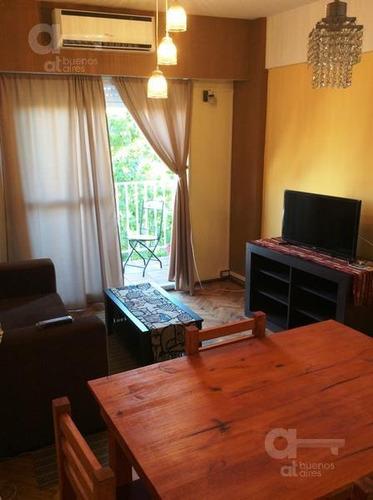 2 ambientes con balcón. alquiler temporario en boedo sin garantía!