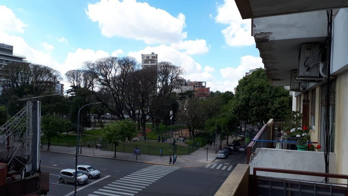 2 ambientes con balcón en liniers.