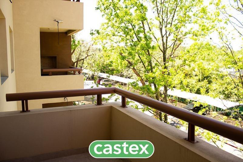 2 ambientes con jardín en  venta en villa del lago
