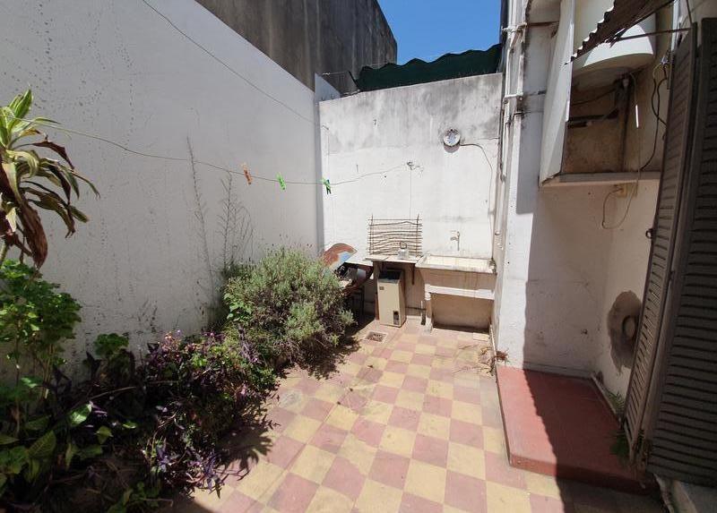 2 ambientes con patio y lavadero - a reciclar