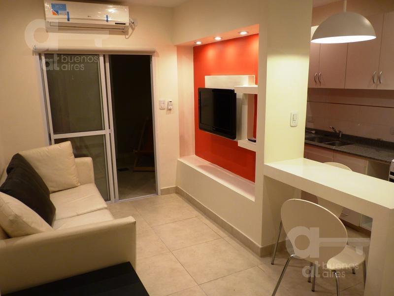 2 ambientes, en alquiler temporario. sin garantía, recoleta. con pequeño patio.