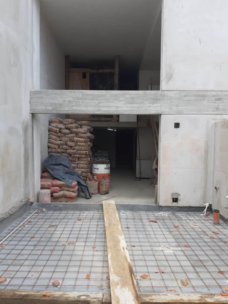 2 ambientes en duplex con jardin y cochera, en villa crespo!