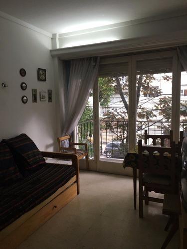2 ambientes luminoso con balcon