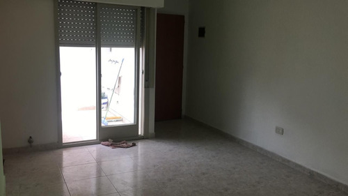 2 ambientes ph 1°piso cfte con balcon super luminoso