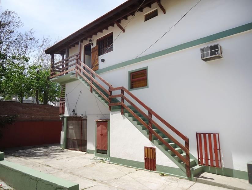 2 amplios  ambientes con terraza