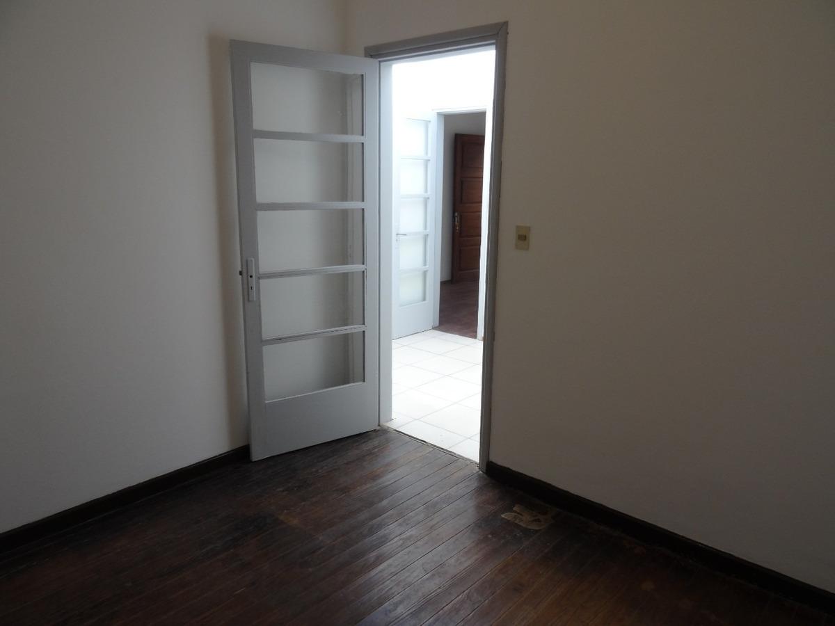 2 apartamentos en la blanqueada, 2 dormitorios 1 baño.