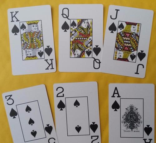 2 barajas de  poker de 100% plástico,108 cartas (2 mazos)
