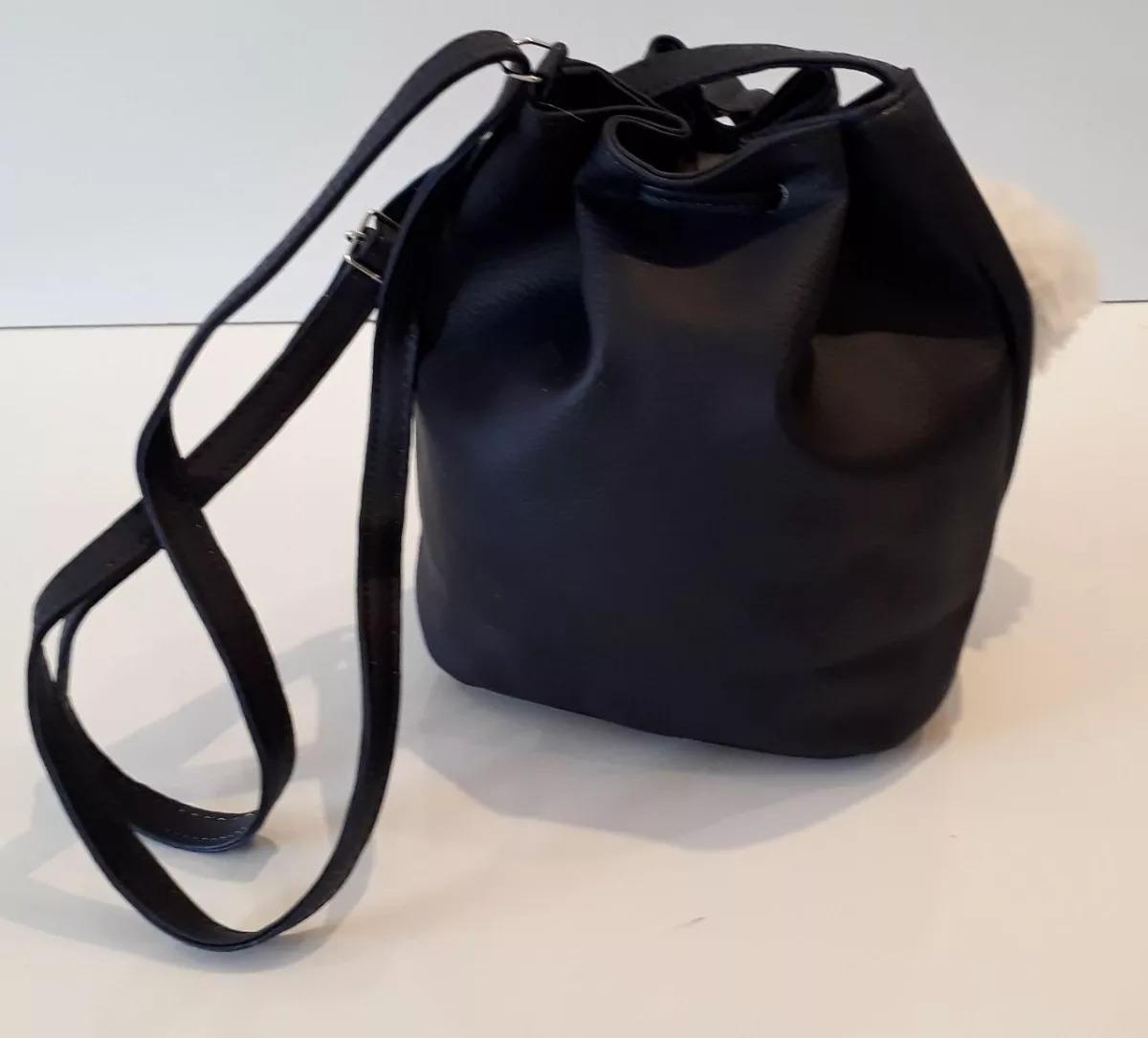 21d8a40a9 2 Bolsas Feminina Saco Pequena Mickey Com Chaveiro Pompom - R$ 68,00 ...