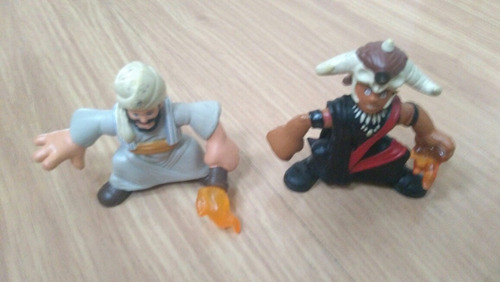 2 bonecos indiana jones miniaturas hasbro