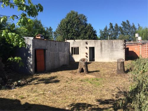 2 casas a reciclar, lote 300 m2 servicios