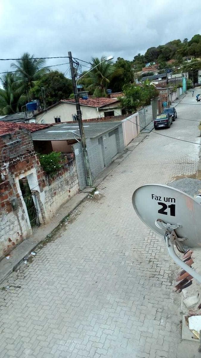2 casas baixei de 75mil por 69mil rua pavimentada no ibura.