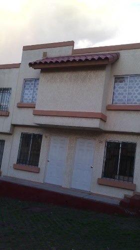2 casas en 1 en venta