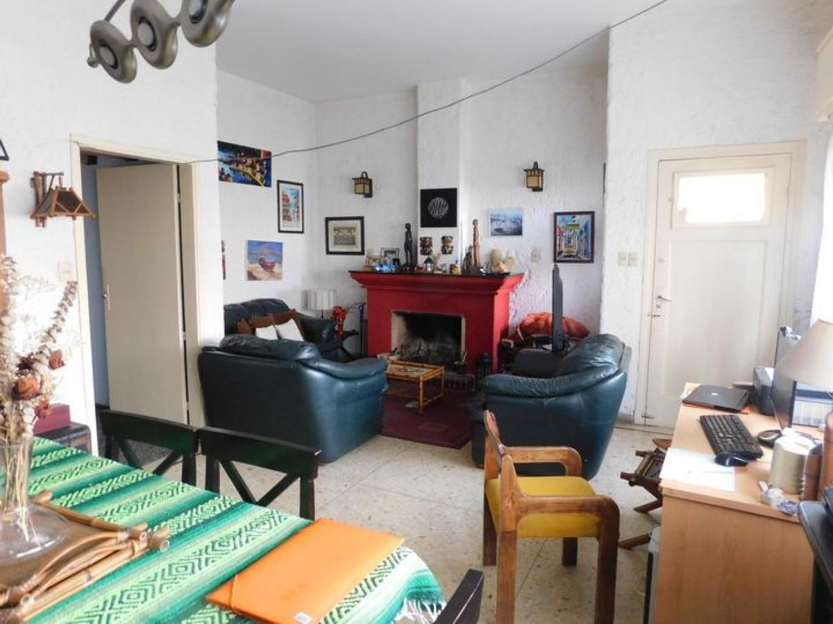 2 casas independientes fondo y garage