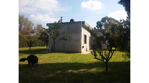 2 casas s/950mts en fco. alvarez. para 2 familias