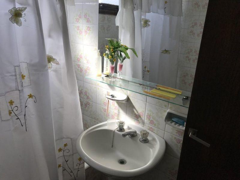 2 c/dependencia y 2 baños.