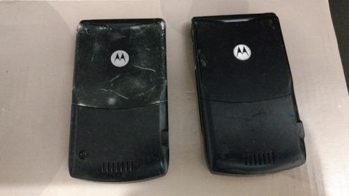 2 celulares antigos motorola v3 (defeito) no estado 1/17