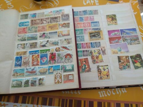 2 classificadores com selos antigos