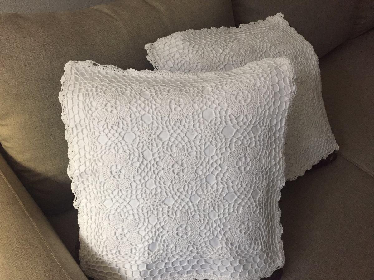 2 Cojines Blancos Bordados En Crochet   $ 500.00 en Mercado Libre