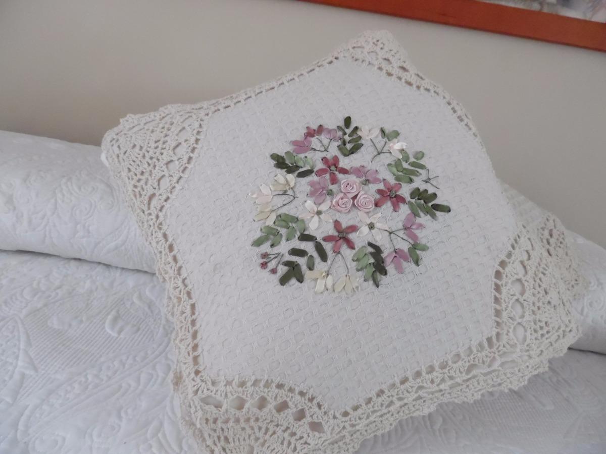 2 cojines hechos a mano bordado de liston y crochet relleno en mercado libre - Relleno para cojines ...