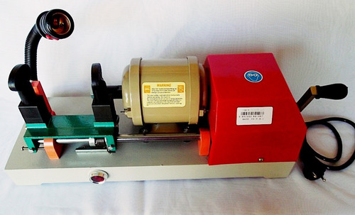 2 copiadoras chaves yale e pantográfica + kit 500 chave 220v