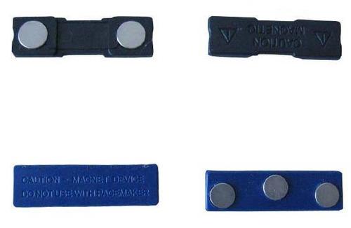 2 crachás de identificação em aço inóx fixação por imãs