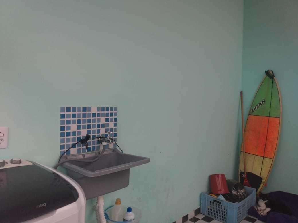 2 dor, sala, cozinha, lavanderia e banheiro