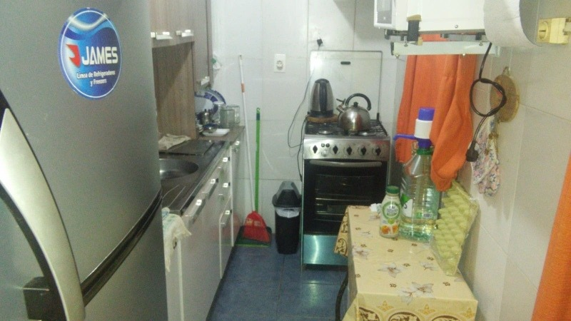 2 dormitorios, 1 baño, cocina, comedor