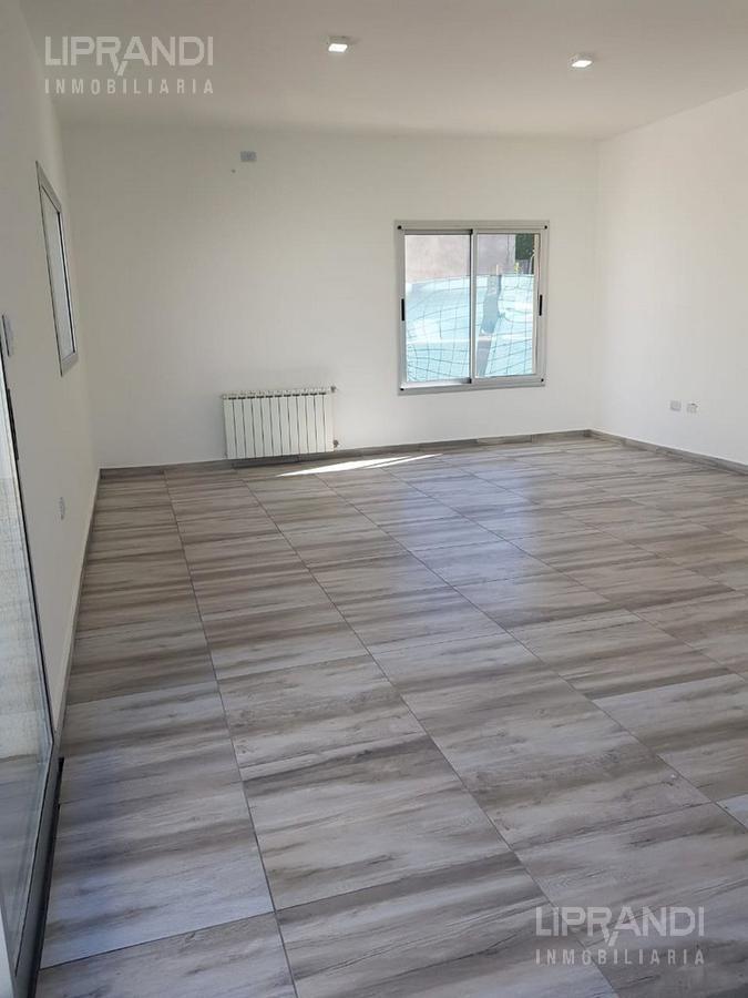 2 dormitorios - 420 m2 terreno - patio - asador -  posesion inmediata