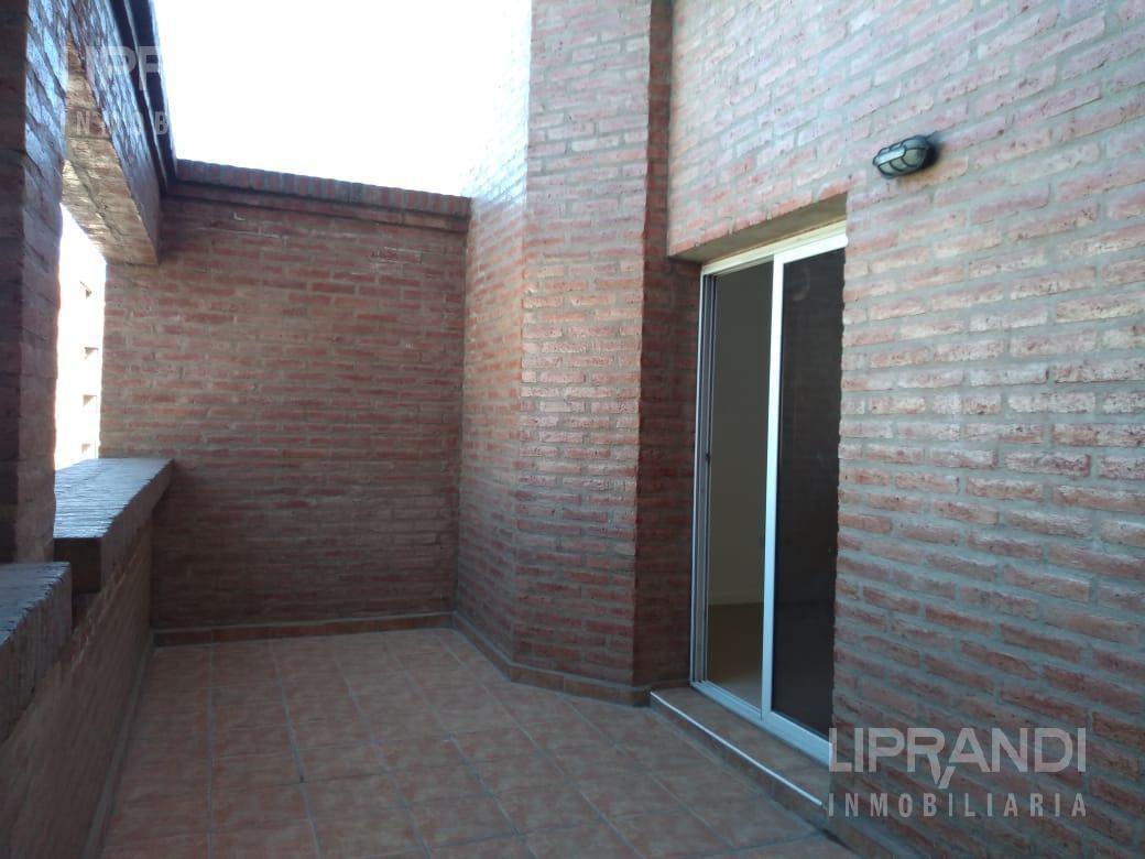 2 dormitorios - balcon - frente
