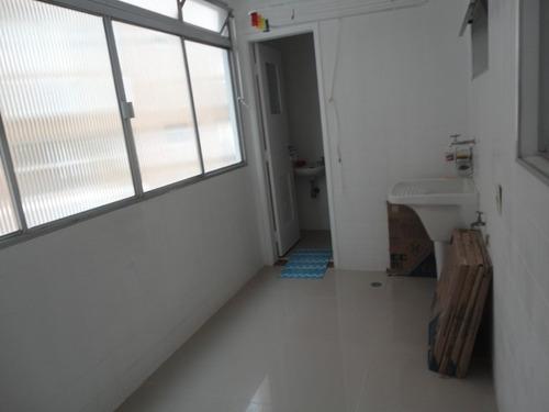 2 dorms sacada garagem demarcada meia quadra praia boqueirão