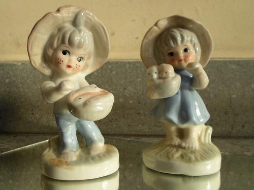 2 (dos) figuras de cerámica esmaltadas policromadas