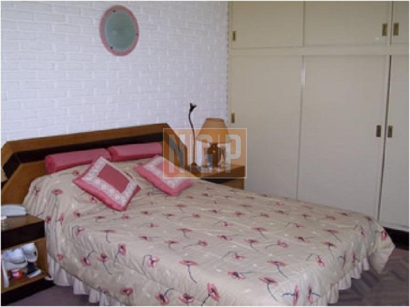 2 equipos de aire acondicionado, 2 dormitorios, jardin diseñado por pasajista -ref:20652