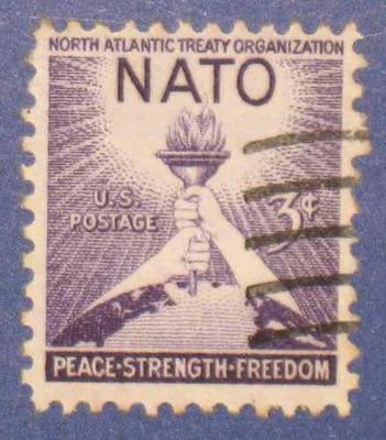 2 estampillas stamps usa 1 1/2 c onu 3c nato otan antiguas