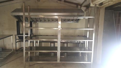 2 estanterias con 5 entrepaños cada una