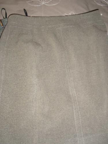 2 faldas ideal oficina cafe y cuadrille gris