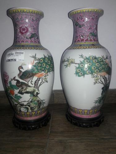 2 floreros oriental con su base