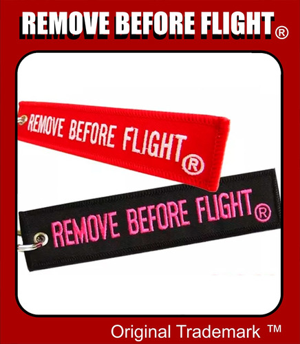 2 llaveros  remove before flight el / ella combo