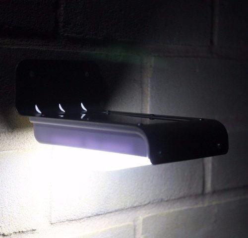 2 luminárias led solar sem fio com sensor de movimento 100 l